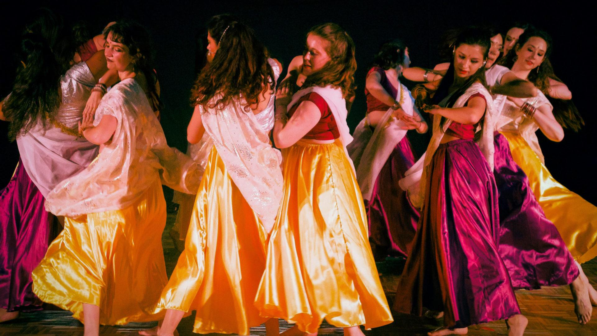 Gala de danse 2019 de l'Association Terre des Arts - Elèves de danse Bollywood